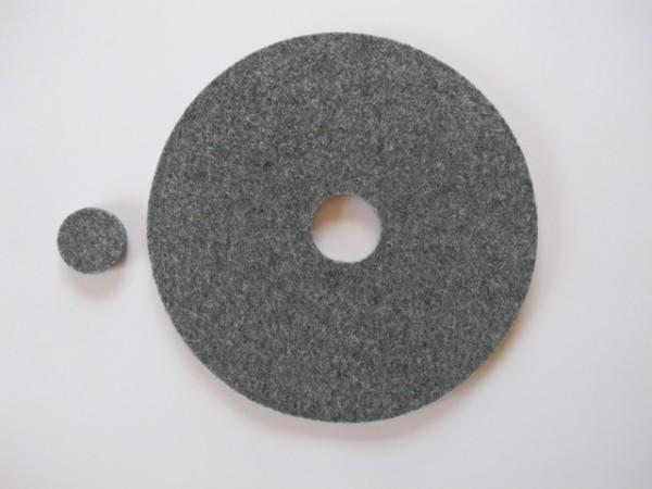 Filz Rund 18cm außen Loch 3cm; ca.5mm dick hellgrau